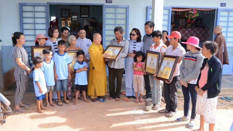 """Quỹ Đạo Phật Ngày Nay thăm lại 183 """"Tổ ấm từ bi"""""""